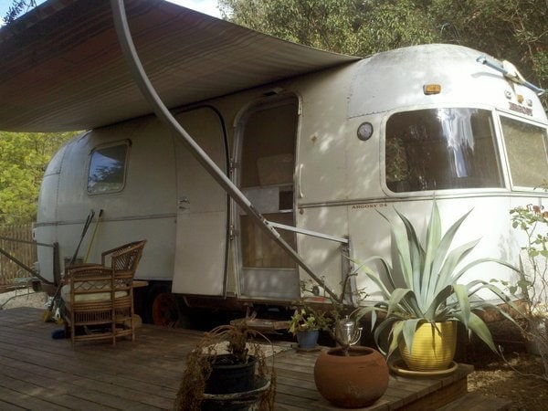 Very nicely built deck on this 1977 Airstream Argosy