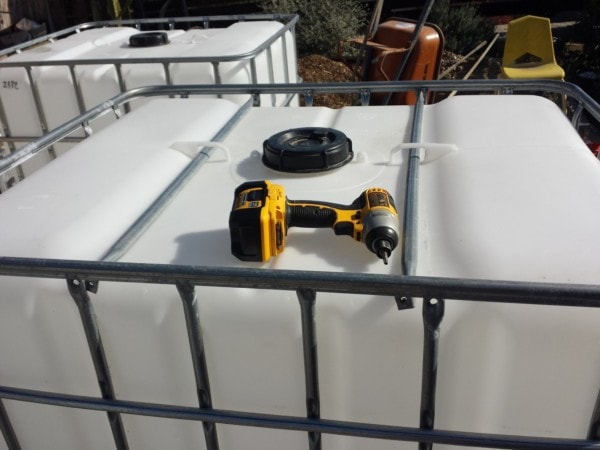 Rainwater Harvesting - Removing IBC totes from frame - The Greenman Project